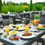 Frühstückstisch Terrasse