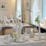 Restaurant Zur Bockmühle Tische eingedeckt weiß