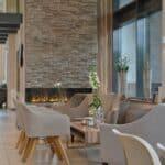 Hotelhalle mit Kamin