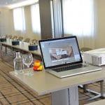 Tagungsraum Parkhotel Oberhausen mit Laptop