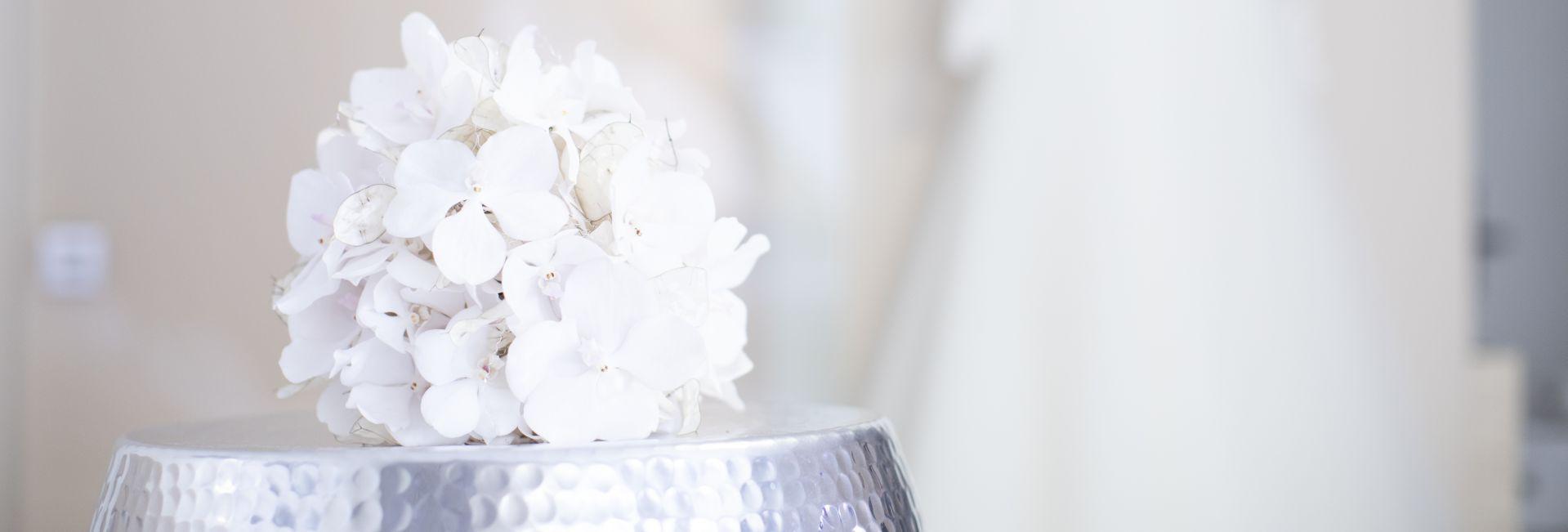 Schmuckbild Hochzeit weiß Zimmer Hortensie